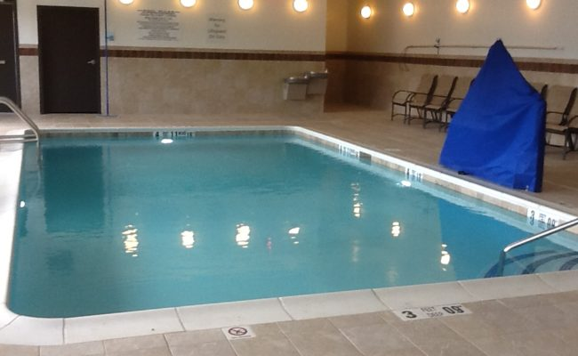 Indoor Hotel Pool - Holiday Inn Express