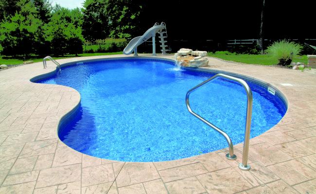 Vinyl Freeform Pool w_ Slide